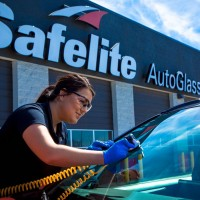 Get 25% Cash Back on Auto Glass Repair and Replacement from your local Safeway Auto Glass